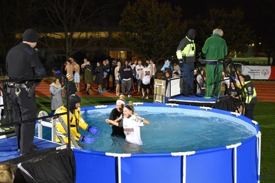 Manhattan Polar Plunge raises money for Special Olympics
